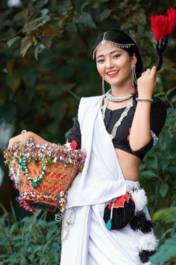 चितवन थारु ड्रेस