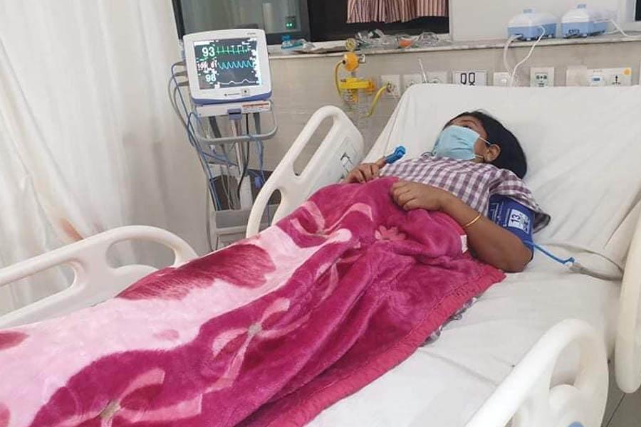 कोरोना संक्रमित शान्ता चौधरीको स्वास्थ्यमा समस्या आएपछि 'आइसीयु'मा भर्ना