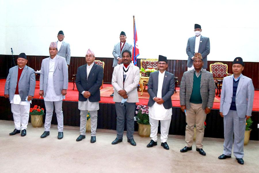 प्रचण्डको साथ छाडेर गौरीशंकर चौधरी ओलीतिर, श्रममन्त्री नियुक्त