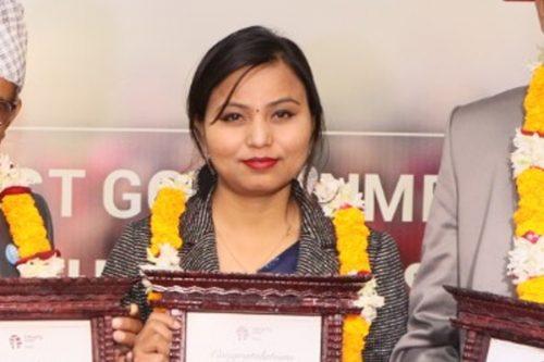 थारु चेली आरती इन्टेग्रीटी आइकन नेपालबाट सम्मानित