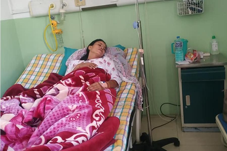 सांसद गंगा थारु सत्गौंवा अस्पताल भर्ना
